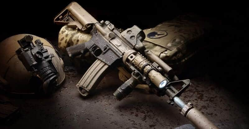 Best-Tactical-Flashlight--For-AR15