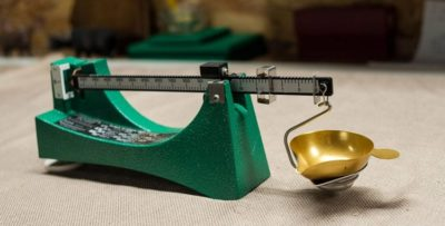 6 Best Reloading Scale for Pro Shooter [2019]