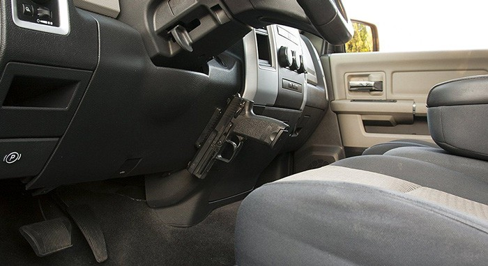 Gun-Magnet-in-Car