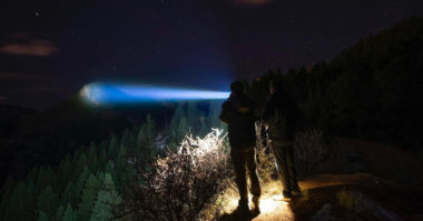 5 Best Throw Flashlight (Long Range Flashlight)